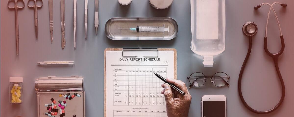 Operationsplanung zur Durchführung einer Aortenklappenstenose.