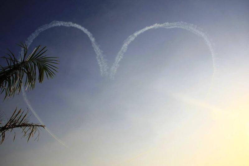 Ein Herz am Himmel als Symbol für gut Erfahrungen mit TAVI-Operationen bei Aortenstenosen.